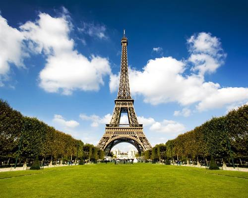 Eiffel-Tower-in-France-HD-Wallpapers.jpg