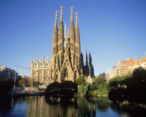 kindra-clineff-sagrada-familia-barcelona-spain.jpg